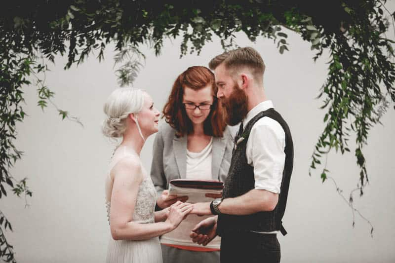 edgy-minimalistic-wedding-in-a-birmingham-art-gallery-16