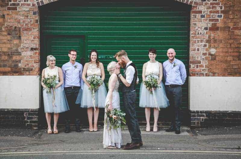 edgy-minimalistic-wedding-in-a-birmingham-art-gallery-20