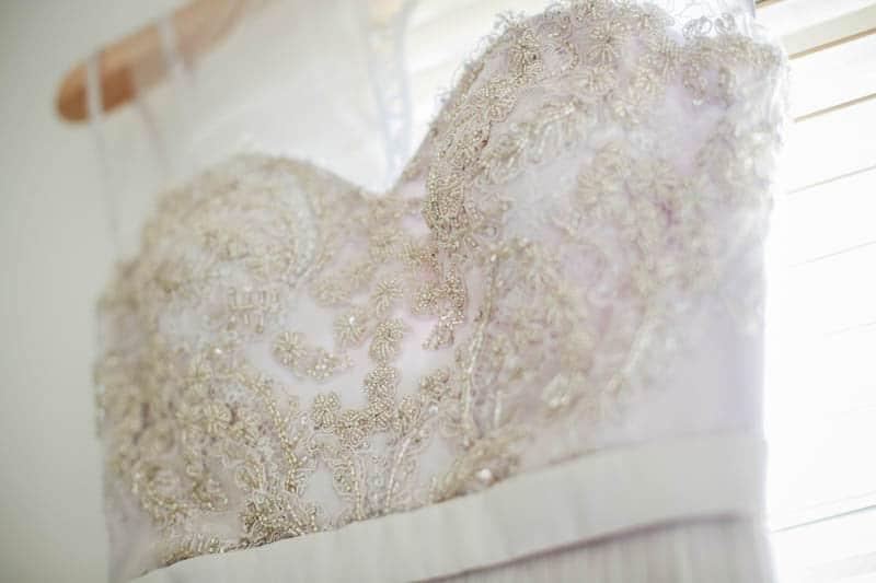 edgy-minimalistic-wedding-in-a-birmingham-art-gallery-6