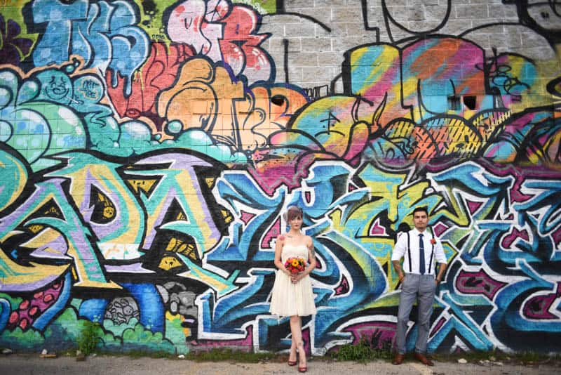 rock-roll-elopement-with-chicagos-colorful-wall-murals-12