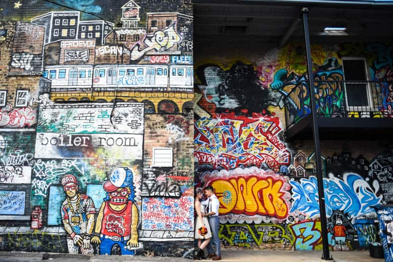 rock-roll-elopement-with-chicagos-colorful-wall-murals-17