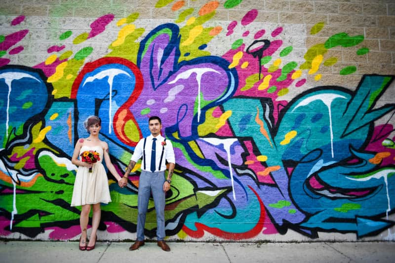 rock-roll-elopement-with-chicagos-colorful-wall-murals-9