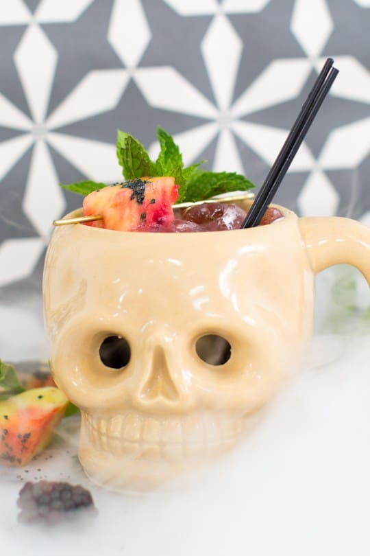 creepy-cocktails-shrunken-skull-halloween