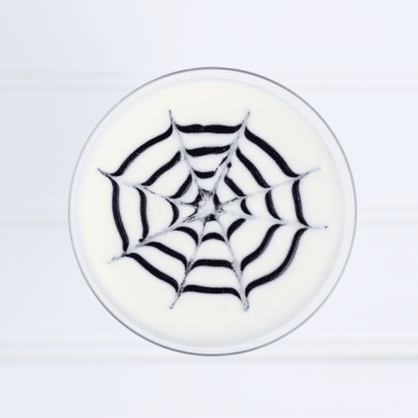 spider-web-cocktail-for-halloween