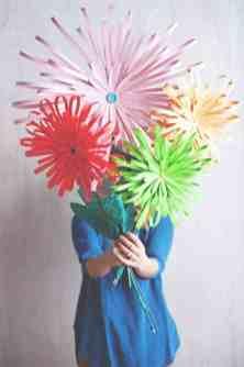 best-paper-flower-tutorials-for-your-wedding-paper-flower-display-bespoke-bride-wedding-blog
