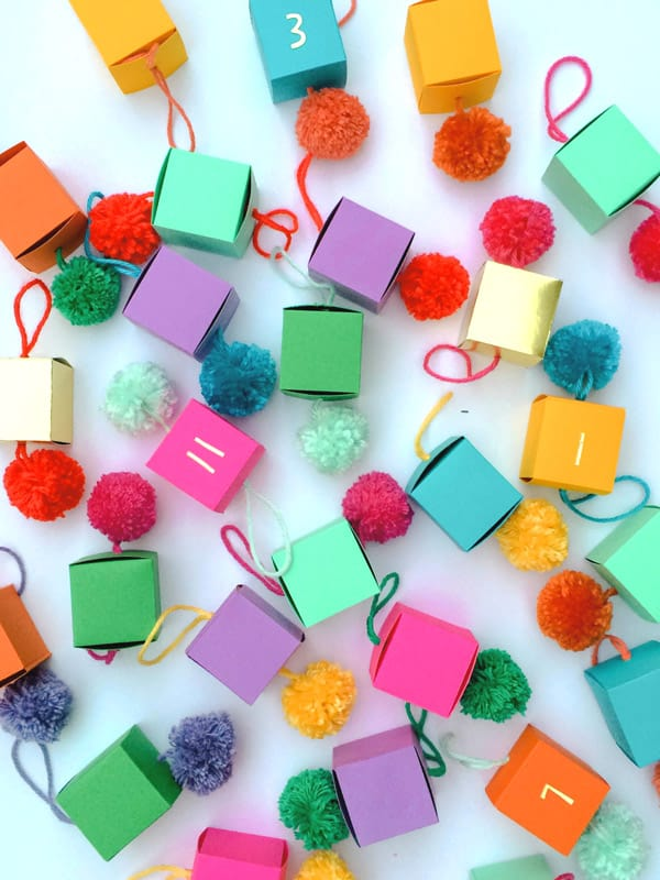diy-paper-ornament-advent-calendar-1