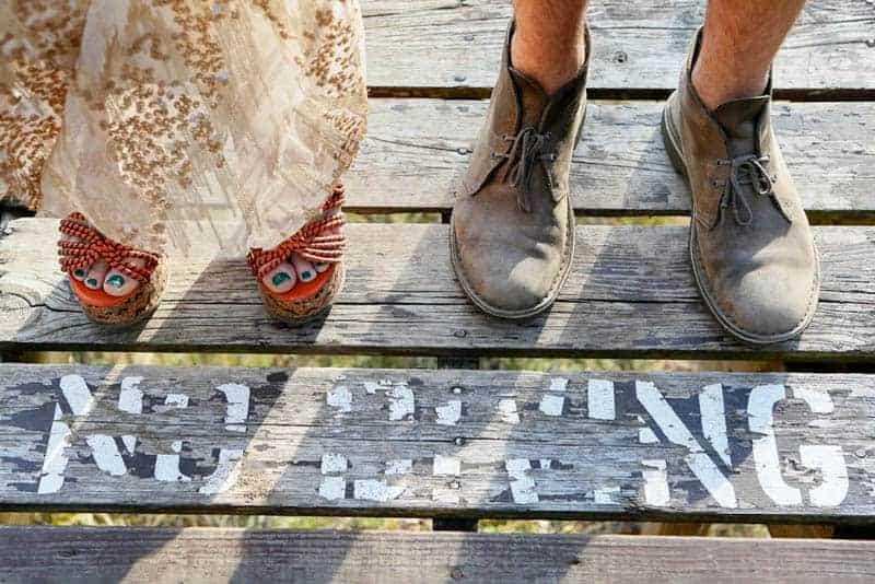 indie-camp-wedding-style-ideas-13