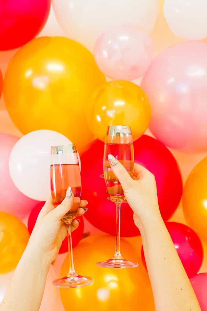 diy-balloon-backdrop-new-years-eve-photo-booth-colourful-fun-decor-ideas-tutorial-12