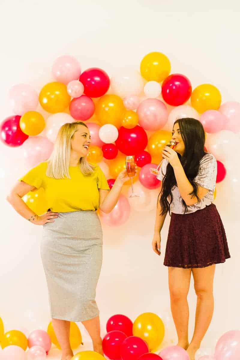 diy-balloon-backdrop-new-years-eve-photo-booth-colourful-fun-decor-ideas-tutorial-15