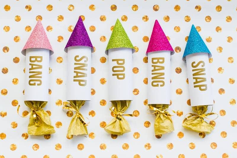 diy-confetti-rockets-wedding-tutorial-moddern-colourful-glitter_-8
