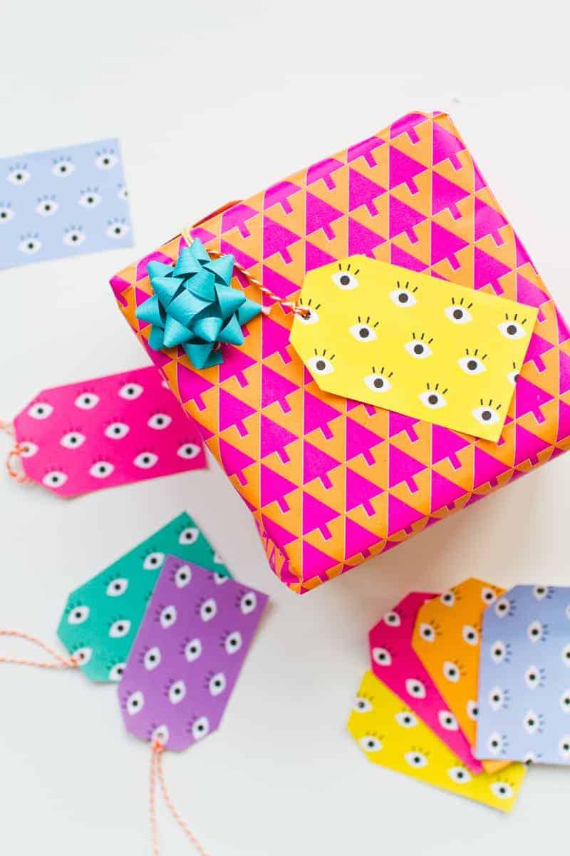 free-printable-eye-gift-tags-print-christmas-gift-wrap-colourful-fun-download-10