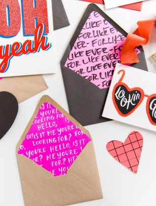 60-VALENTINES-DAY-GIFT-DIY'S-FOR-YOUR-GAL-PALS-ENVELOPE-LINERS