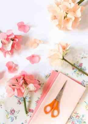 best-paper-flower-tutorials-paper-hydrangeas-bespoke-bride-wedding-blog