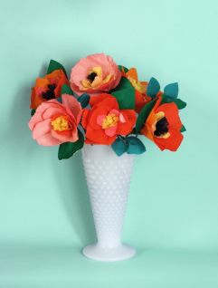 best-paper-flower-tutorials-for-your-wedding-diy-paper-flower-bouquet-bespoke-bride-wedding-blog