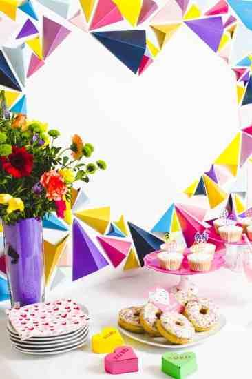 CREATIVE DIY WEDDING PARTY BACKDROPS-GIANT GEOMETRIC HEART BACKDROP