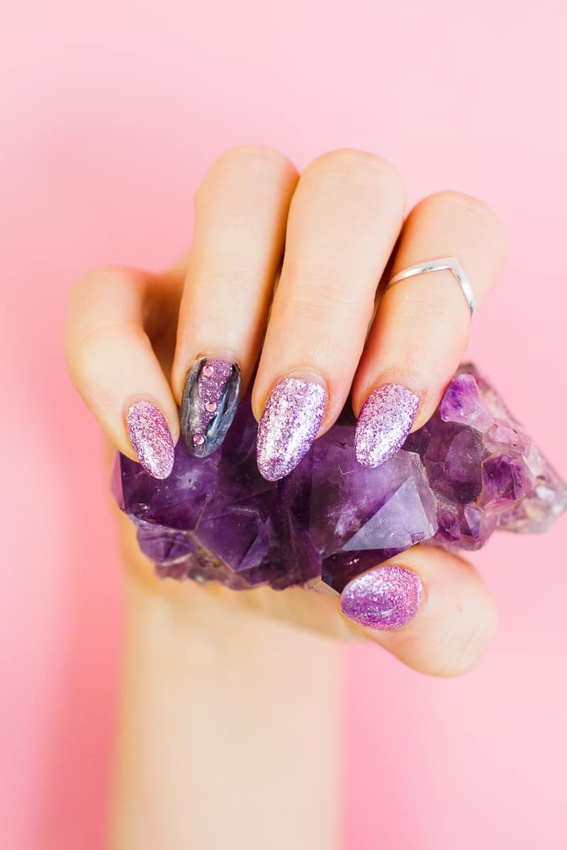 diy-geode-amethyst-nail-tutorial-diy-purple-crystal-nail-manicure-8