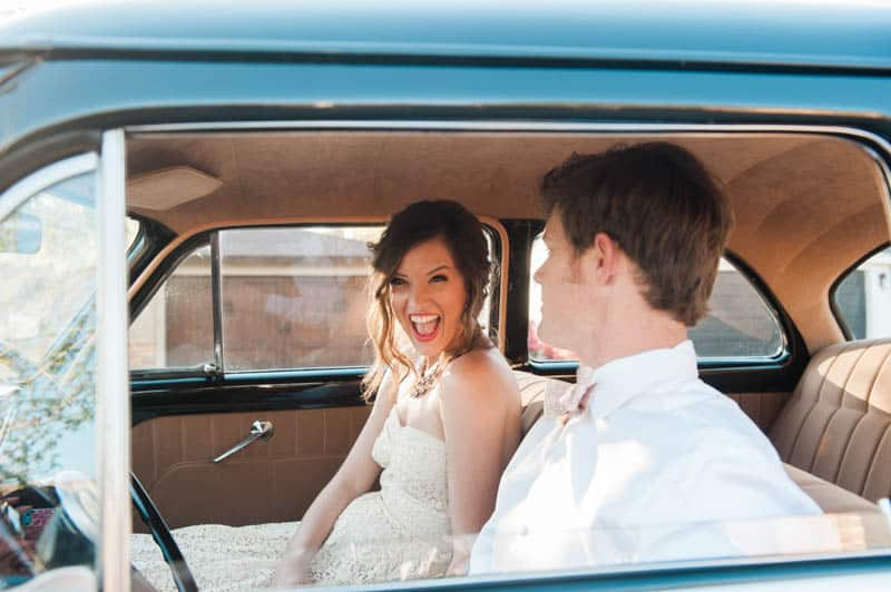 INSPIRED WEDDING IDEAS FOR A RETRO POOLSIDE ELOPEMENT (20)