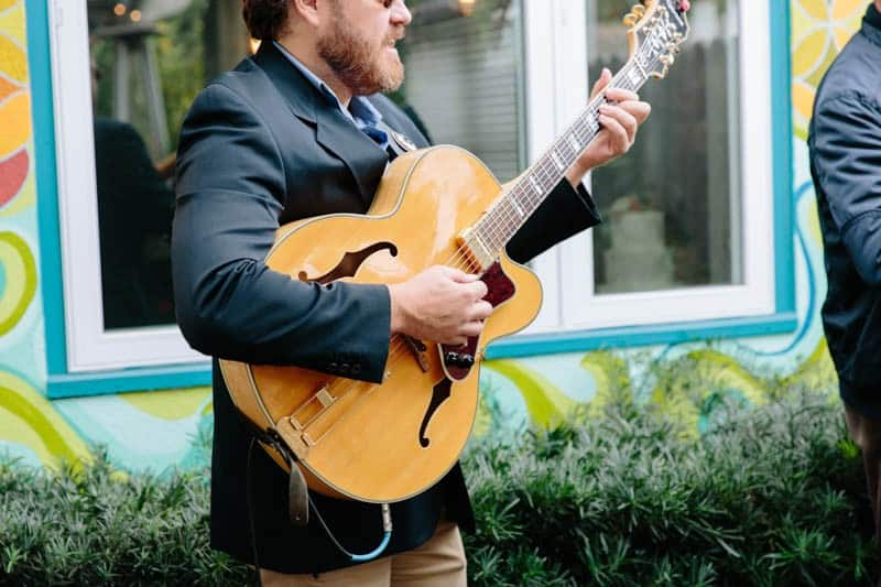 INTIMATE WEDDING IN THE COLORFUL CHARLESTON POUR HOUSE TAVERN (19)
