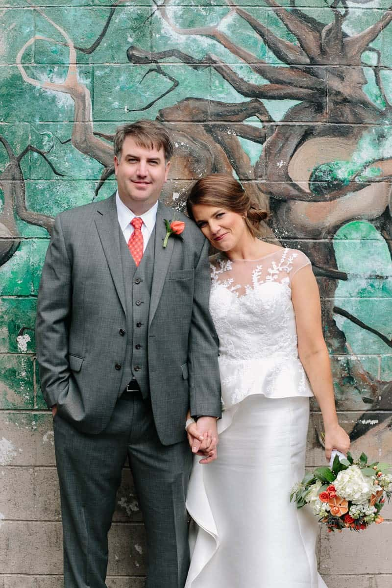 INTIMATE WEDDING IN THE COLORFUL CHARLESTON POUR HOUSE TAVERN (21)