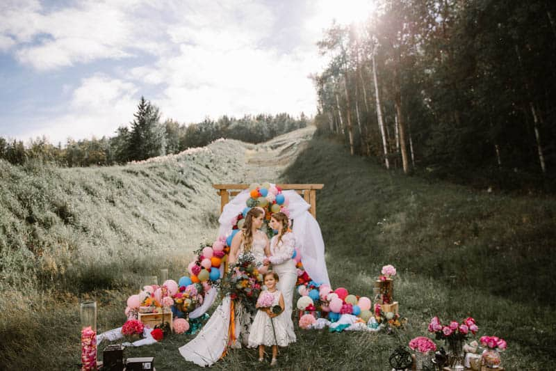 PLAYFUL & ROMANTIC KATY PERRY INSPIRED WEDDING WITH COLORFUL BALLOON ARCH (3)