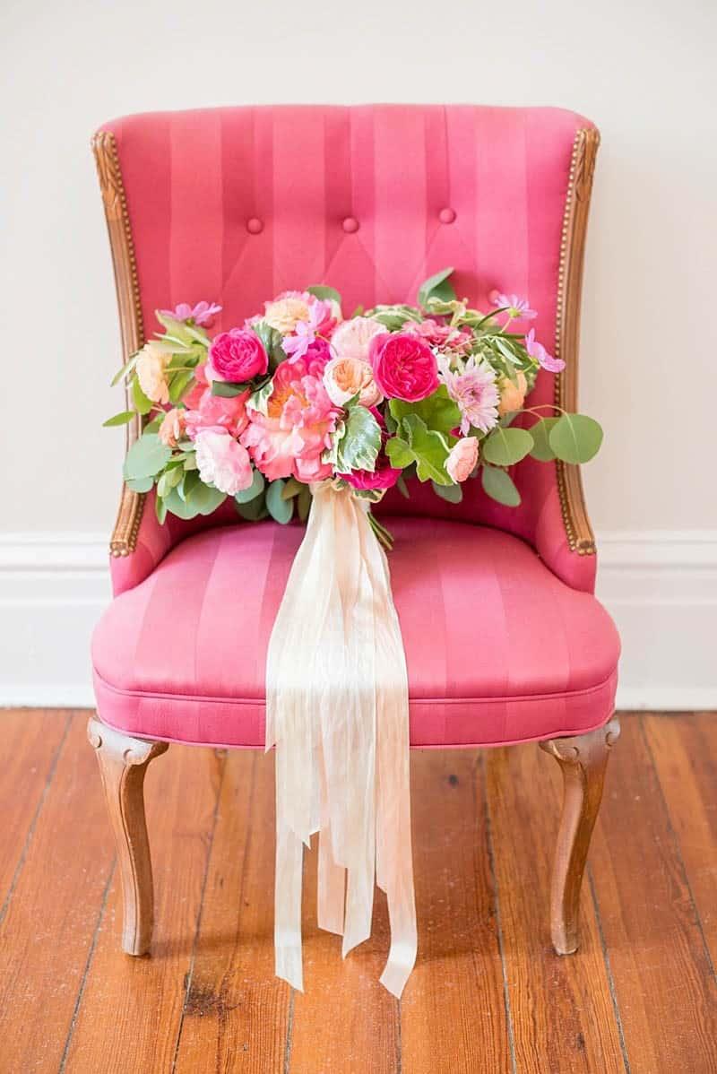 STYLISH FLORAL & FOLIAGE MERRIMON WYNNE HOUSE WEDDING (3)