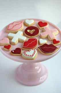 valentine-decorated-cookies-on-cake-tier-590x885