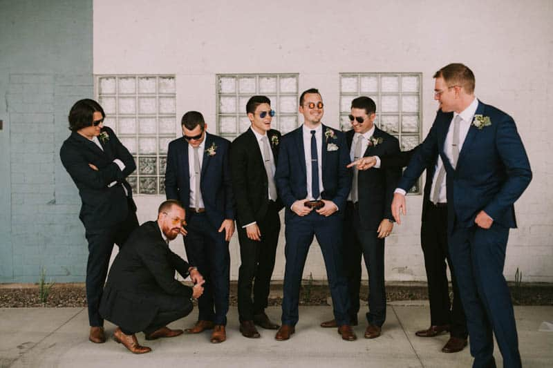 A PERSONALIZED & RUSTIC WEDDING IN A DOWNTOWN PHOENIX ART GALLERY (5)