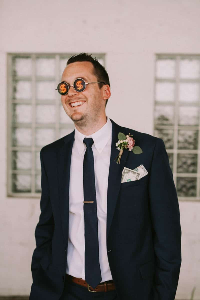 A PERSONALIZED & RUSTIC WEDDING IN A DOWNTOWN PHOENIX ART GALLERY (6)