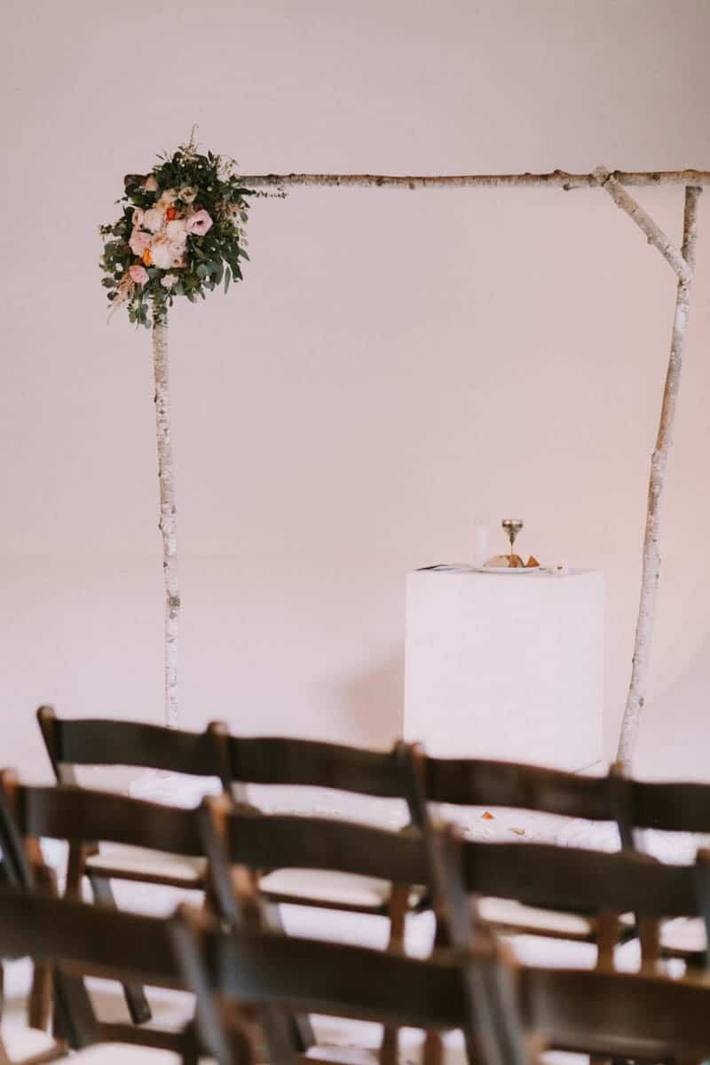 A PERSONALIZED & RUSTIC WEDDING IN A DOWNTOWN PHOENIX ART GALLERY (8)