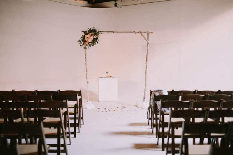 A PERSONALIZED & RUSTIC WEDDING IN A DOWNTOWN PHOENIX ART GALLERY (9)