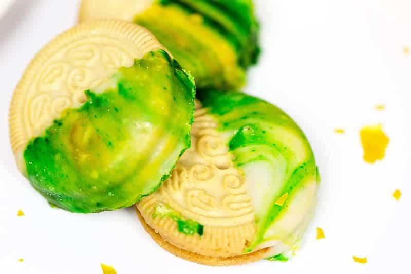 DIY St Patricks Day Marble Cookies 5
