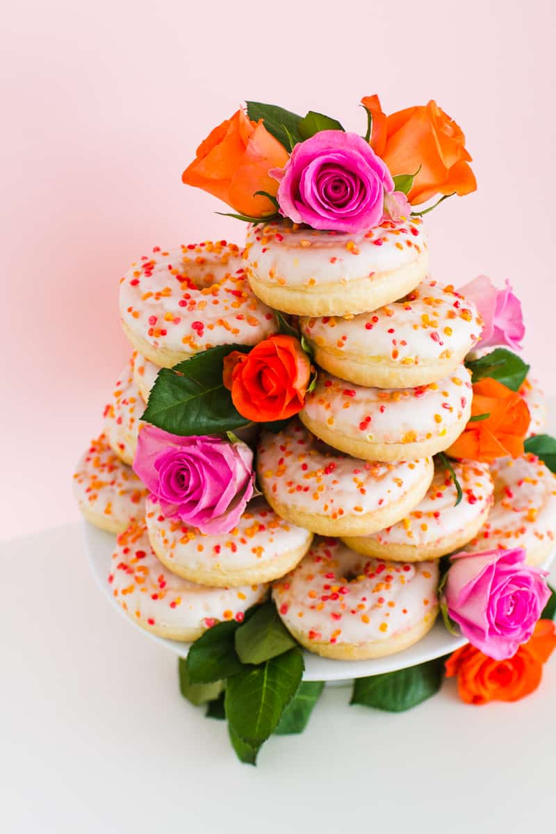 Donut Wedding Cake DIY How to make your own cheap wedding cake doughnuts wedding cake trend-5