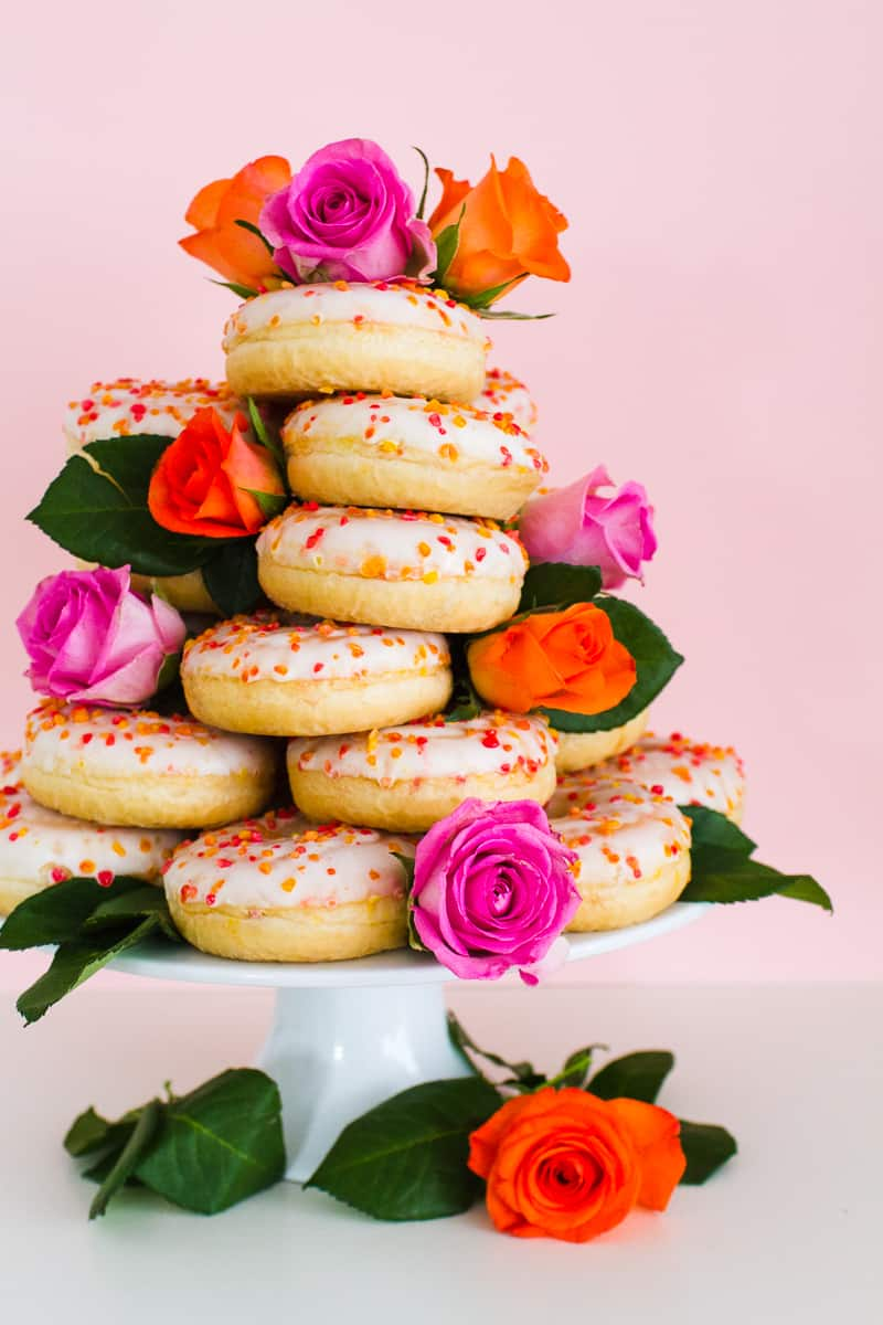 Donut Wedding Cake DIY How to make your own cheap wedding cake doughnuts wedding cake trend-7