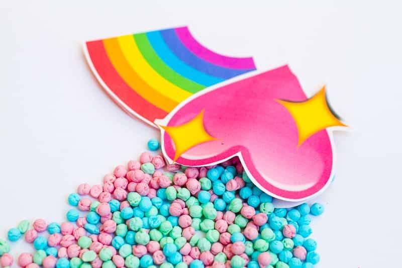 Emoji Favour Bags Pouches Candy Confetti Sweets Fun Unique Favour Ideas Printable Free Download-16