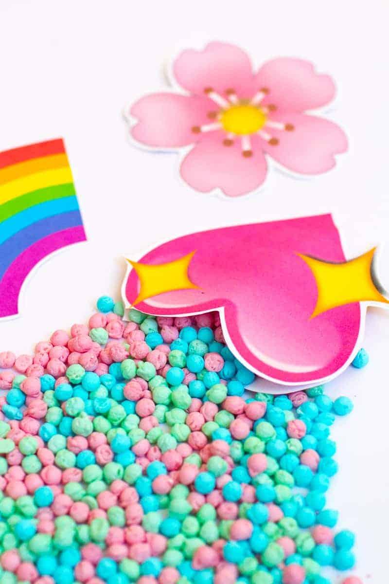 Emoji Favour Bags Pouches Candy Confetti Sweets Fun Unique Favour Ideas Printable Free Download-17