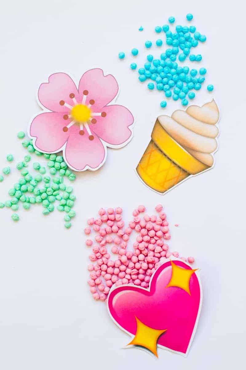Emoji Favour Bags Pouches Candy Confetti Sweets Fun Unique Favour Ideas Printable Free Download-4