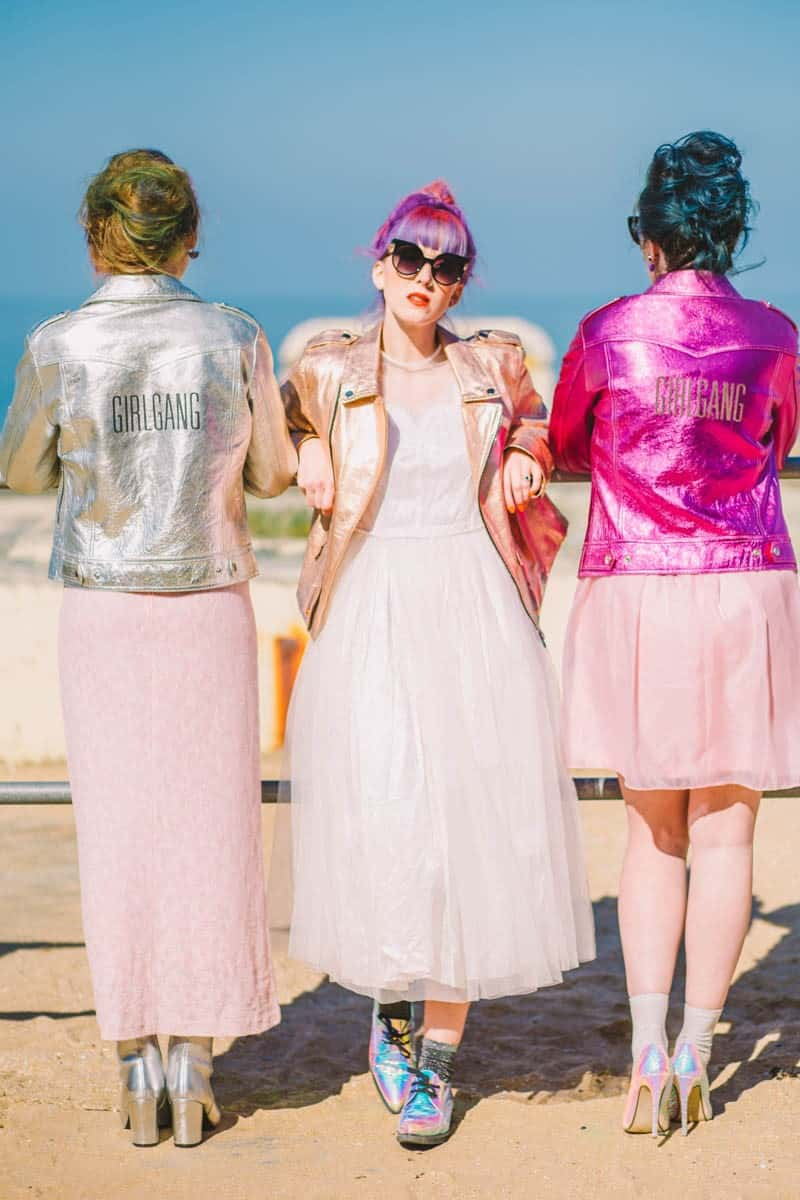 ALTERNATIVE UNIQUE ROCK N ROLL WEDDING DRESSES FOR BAD ASS BRIDES (13)