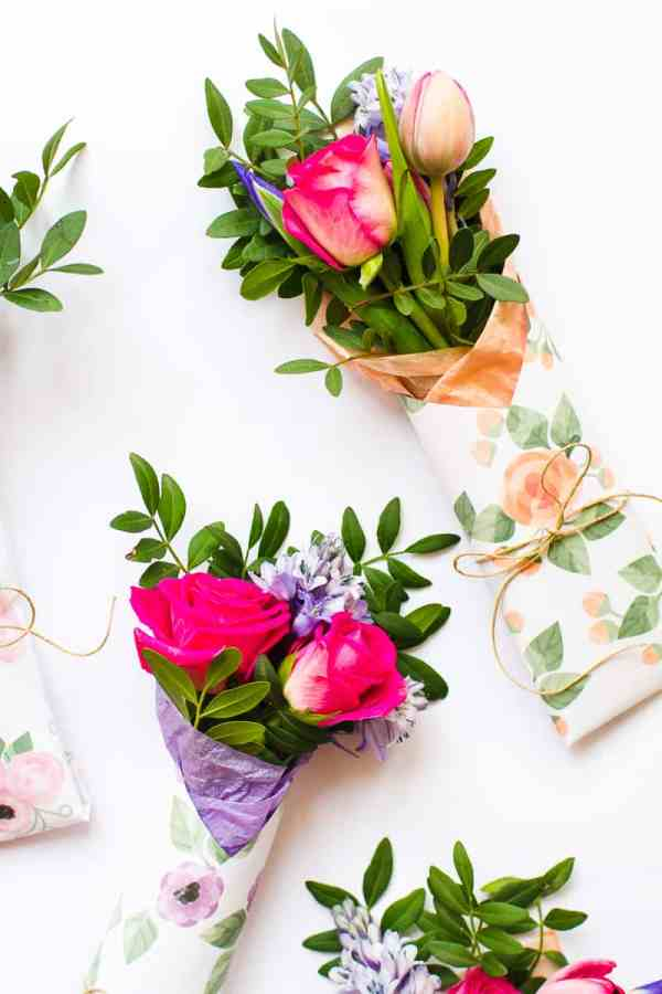 3 MOTHERS DAY GIFT FREE PRINTABLE FLOWER WRAPS | Bespoke ...