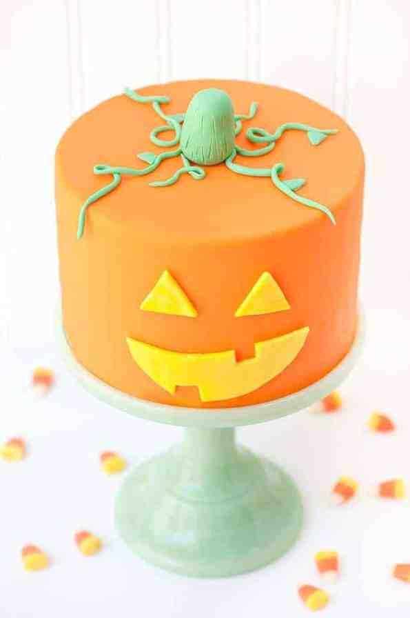jack-o-lantern-cake-4