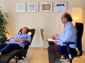 Plexiglas Pandemieschutz Hypnosetherapie