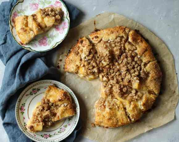 PEACH CROSTATA WITH SPICED CRUMBLE