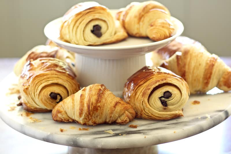FRENCH CROISSANT RECIPE | CHOCOLATE CROISSANTS (40 STEP-BY-STEP PHOTOS)
