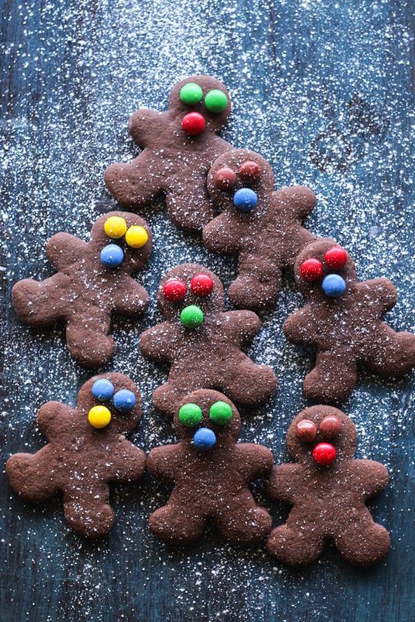 Chocolate walnut gingerbread cookies