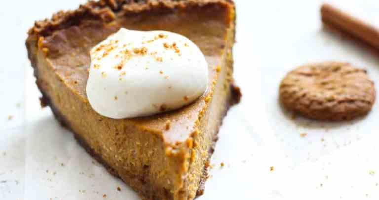 CREAM CHEESE PUMPKIN PIE & GINGERSNAP CRUST