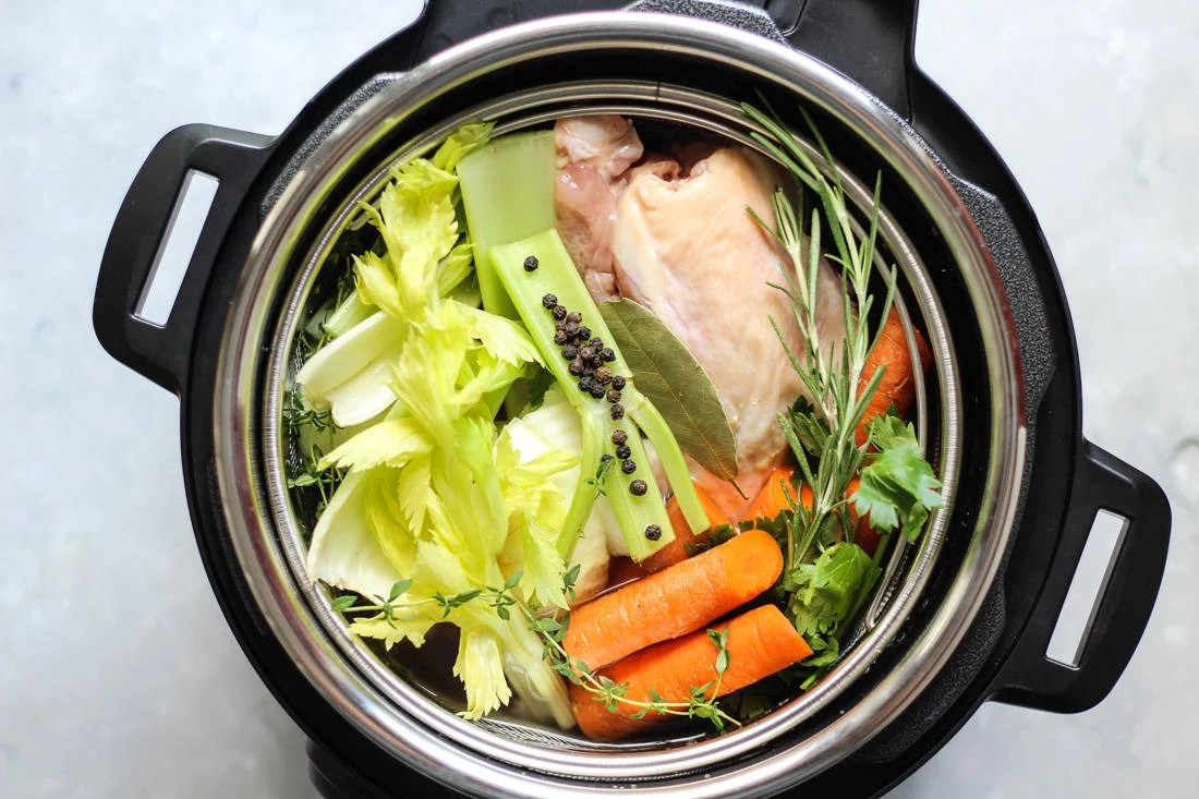 "HOW ""THE BONE BROTH DIET"" HELPS YOU SHED POUNDS & LOSE WRINKLES ACCORDING TO DR. KELLYANN PETRUCCI"