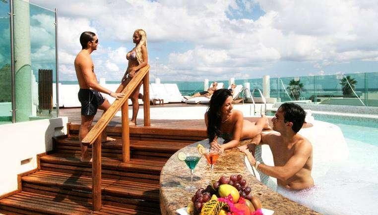 Balcony blowjob in hawaii - 1 part 4