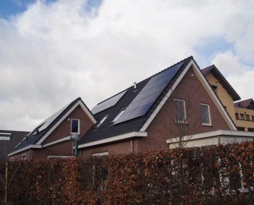 Huis met een schuin dak