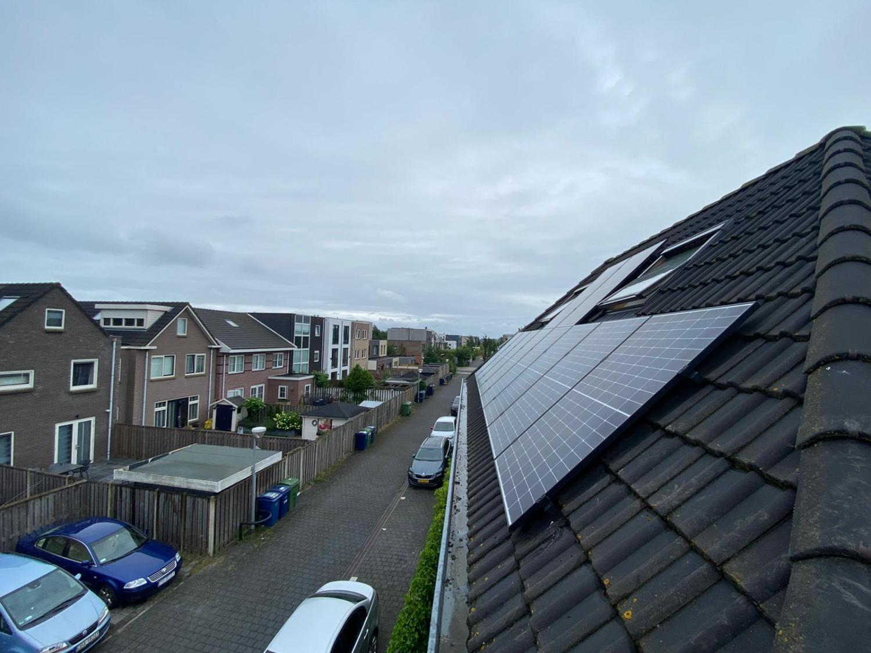 Zonnepanelen Almere Noorderplassen - marifoon schuin dak