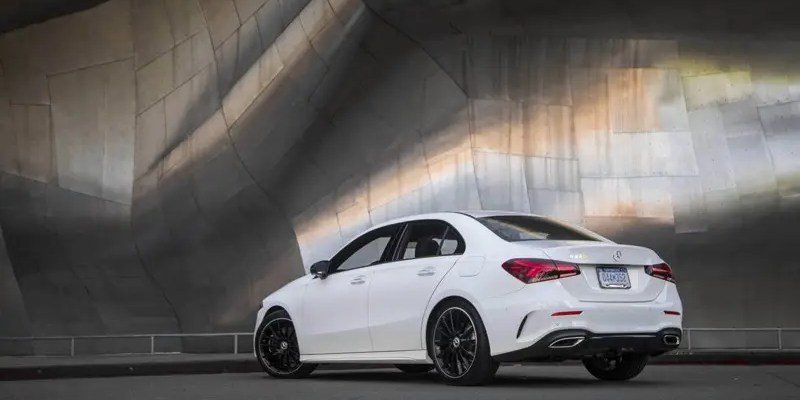 2019 Mercedes-Benz A220 Sedan. Riding in a Smartphone!