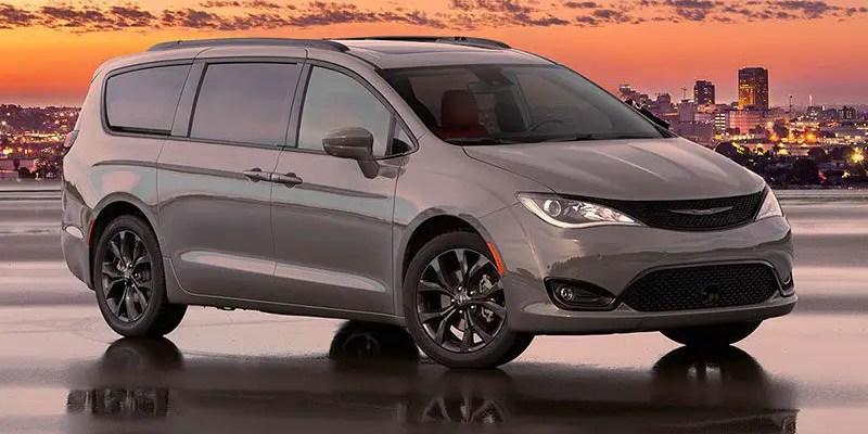 2020 Chrysler Pacifica. Van-Tastic